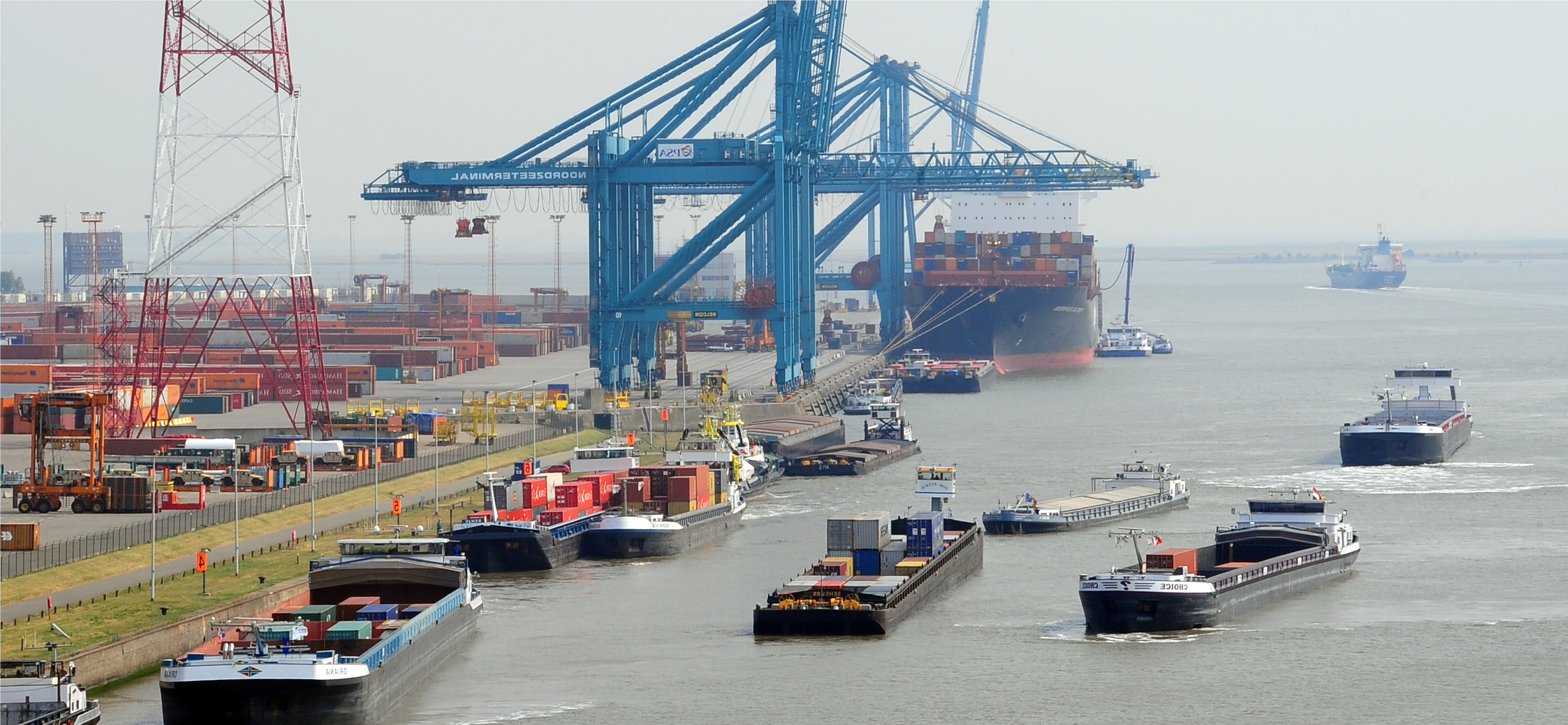 Urgent need to expand container capacity in the Port of Antwerp – Realy?